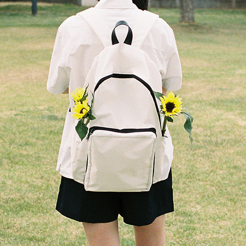 easy backpack (white)