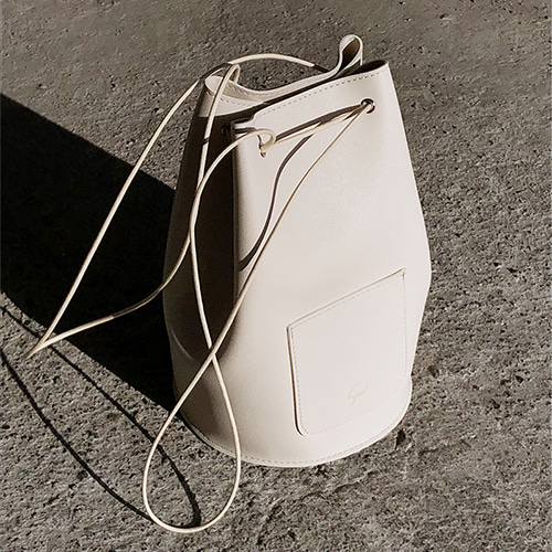 [8차 입고] minimal cylinder bag - cream color