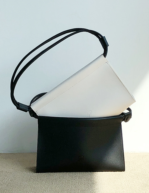 [11차 입고] basic baguette bag (black)