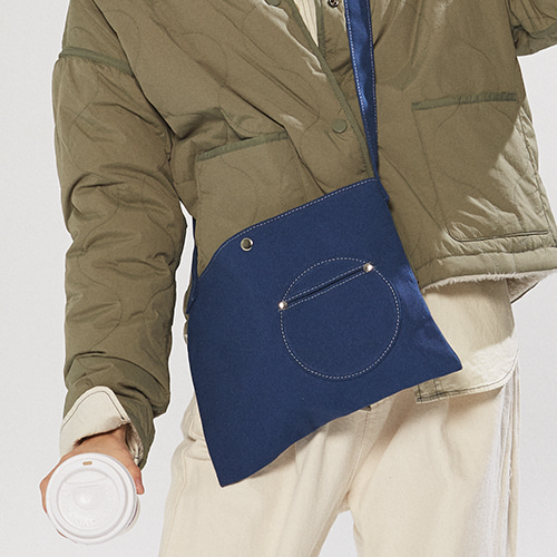 circle point pocket bag (blue)
